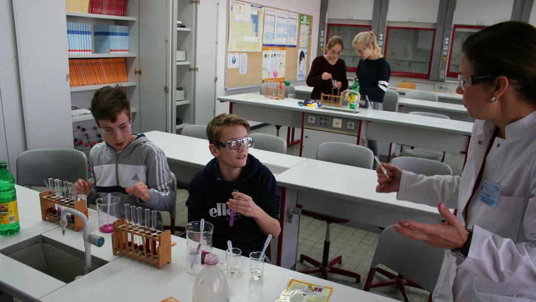 Einblicke in einen Chemieraum