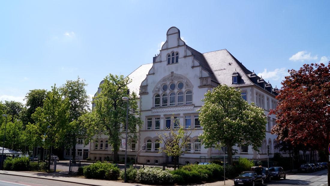 Der Altbau an der Friedrich-Ebert-Straße